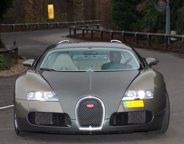 Samuel-Eto-Bugatti-Veyron