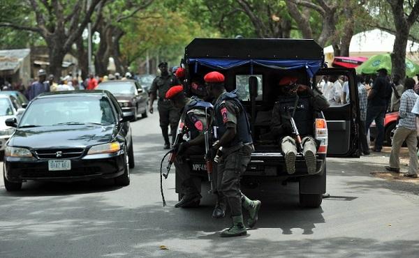 image-of-police-van