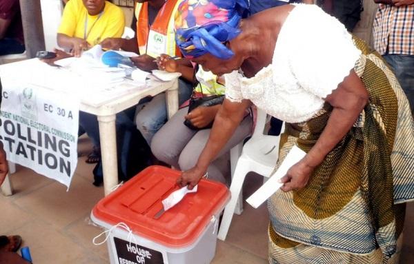 image-of-people-casting-votes-in-Nigeria