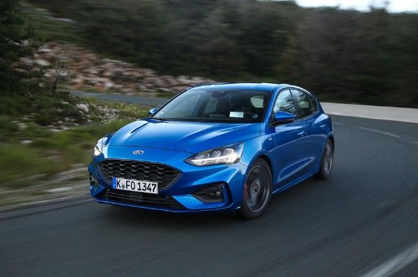 ford-focus-2018-angular-front