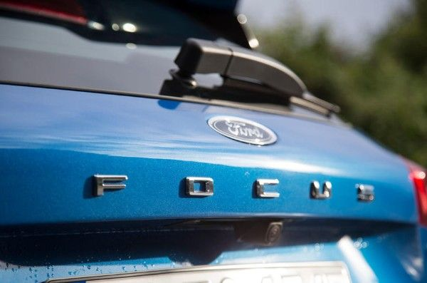 ford-focus-2018-boot-badges