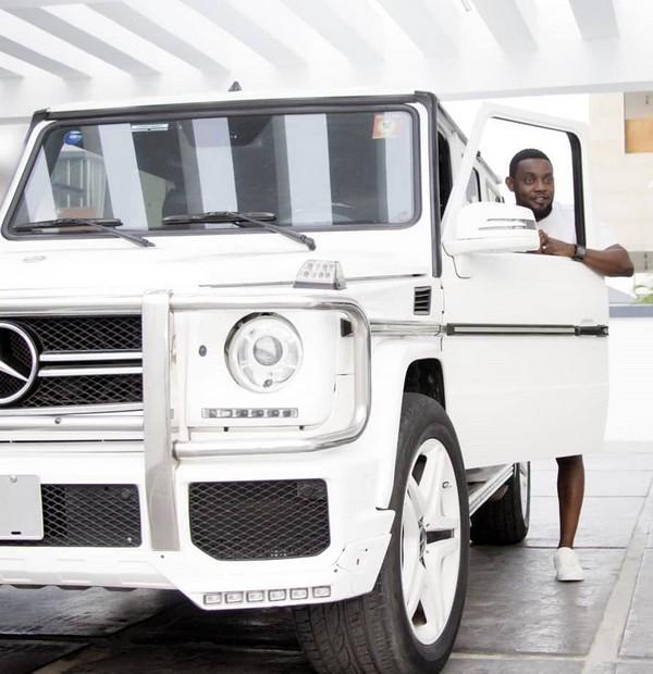 AY-Mercedes-Benz
