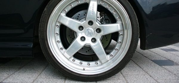Image-of-a-low-profile-car-tire