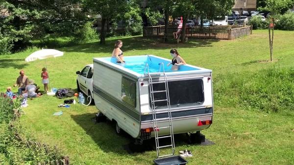 People-in-swimming-van