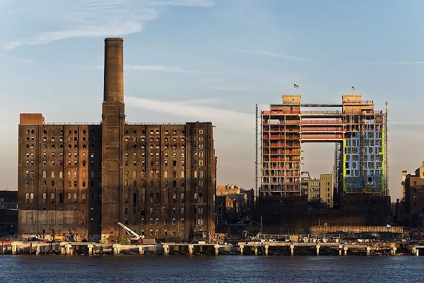 image-of-domino-sugar-factory-in-newyork