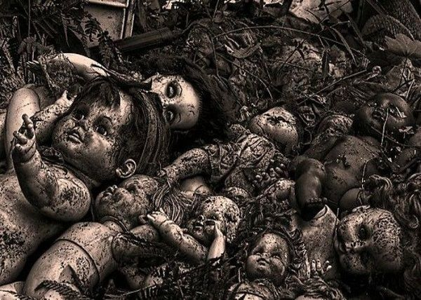 image-of-abandoned-doll-factory-in-spain