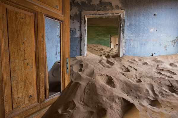 image-of-kolmanskop-in-namibia