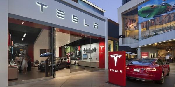 a-Tesla-store