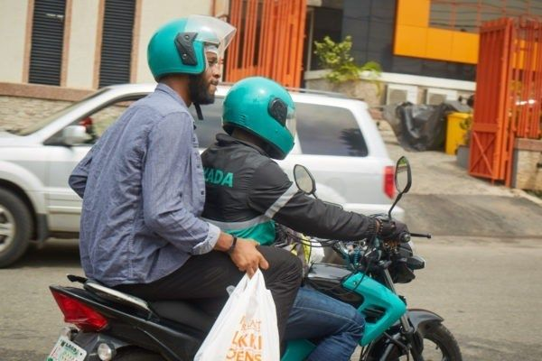 Gokada-biker-conveying-a-passenger