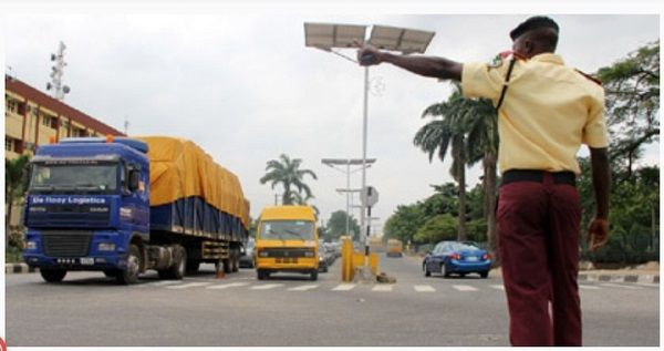 LASTMA-official-directs-traffic