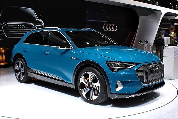 Audi-e-tron-in-Paris-Motor-Show-2018