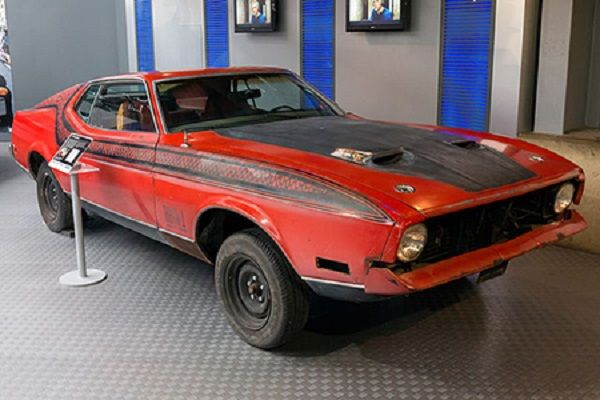 Ford-Mustang-Mach-1