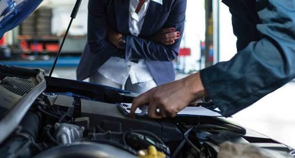 fixing-car-at-Nigerian-mechanic