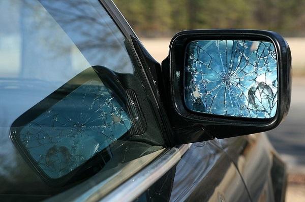 image-of-broken-side-mirror