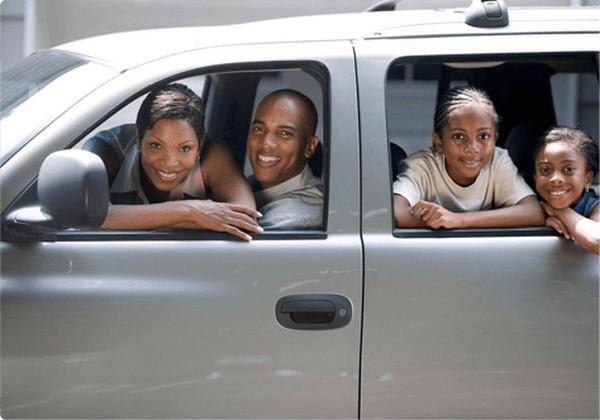 Nigerian-family-in-car