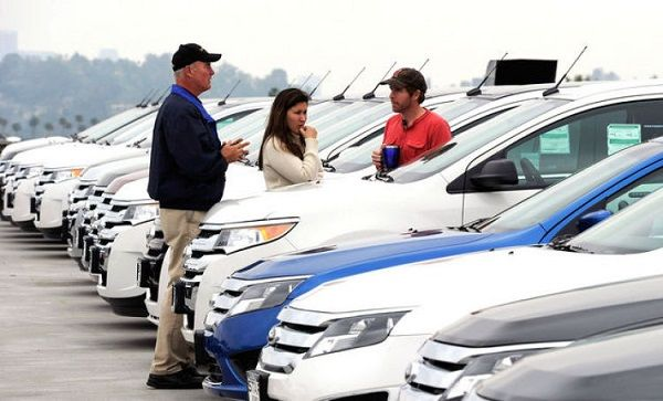 image-of-a-man-buying-car