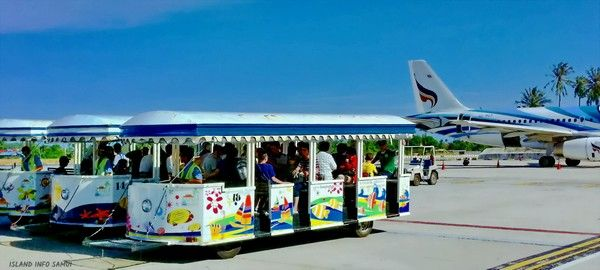 airport-bus-at-Samui-aiport