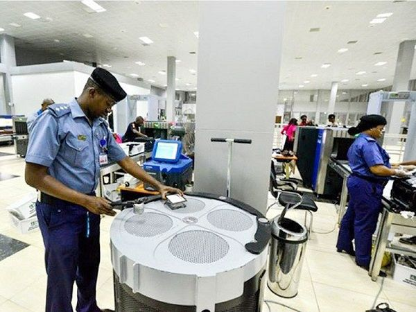 aviation-officials-at-the-airport