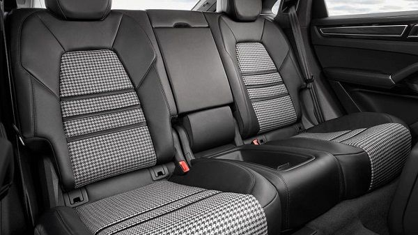 Rear-seat-of-2020-Cayenne-Coupe