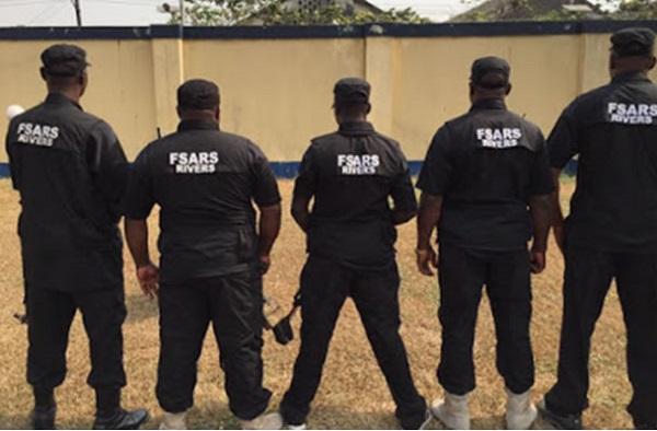 5-policemen