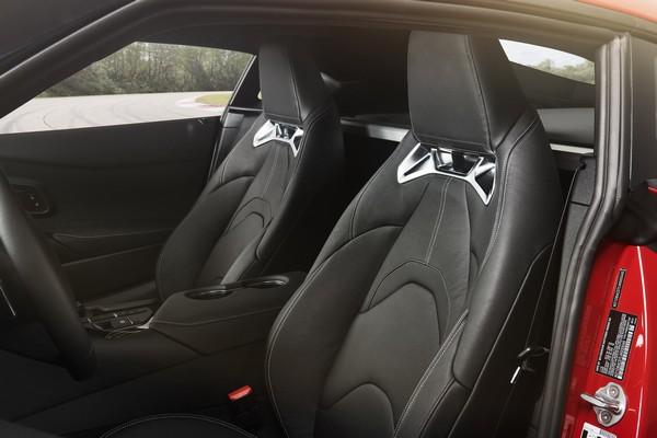 2020-Toyota-Supra-seats