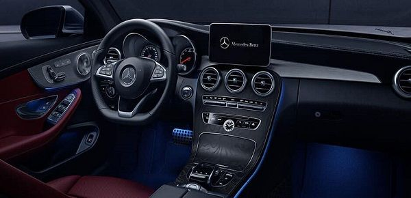Cockpit-of-the-premier-c-class-brand
