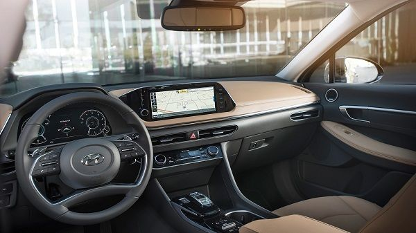 Cockpit-of-the-2020-Hyundai-Sonata