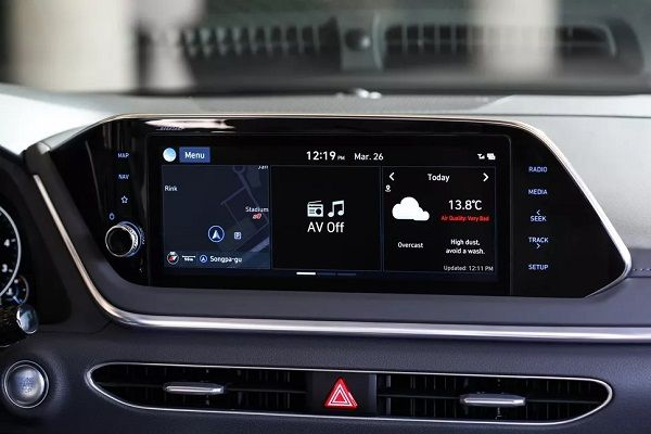 Display-console-of-the-2020-Hyundai-Sonata