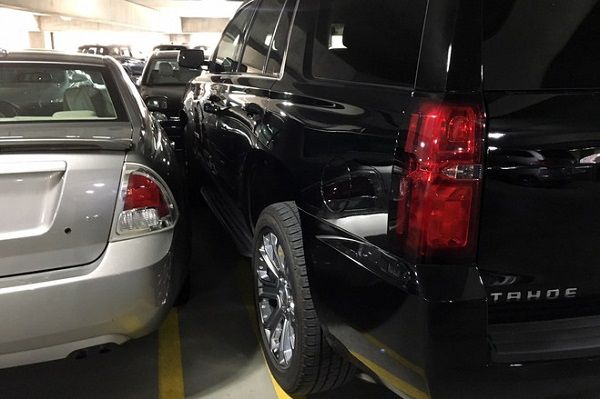 image-of-suv-parking-problem