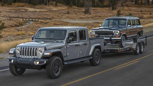 image-of-2020-gladiator-hauling-vehicle
