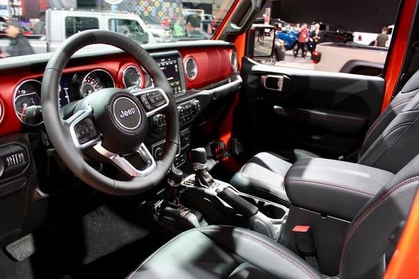 image-of-2020-gladiator-jeep-interior