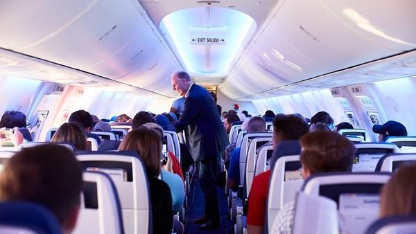 Southwest-airline-cabin