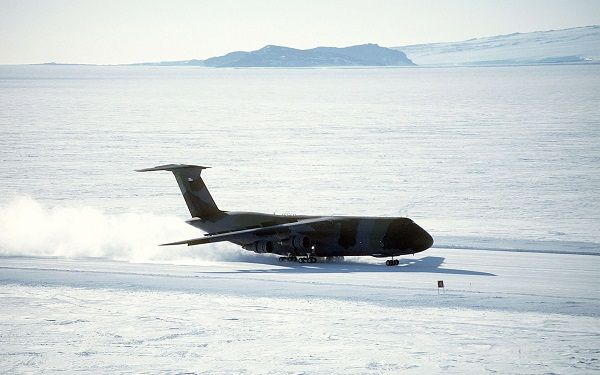 image-of-mcmurdo-antarctica-airport