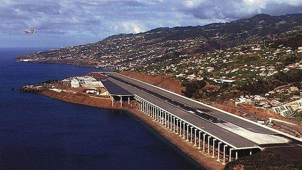image-of-madeira-airport-runway