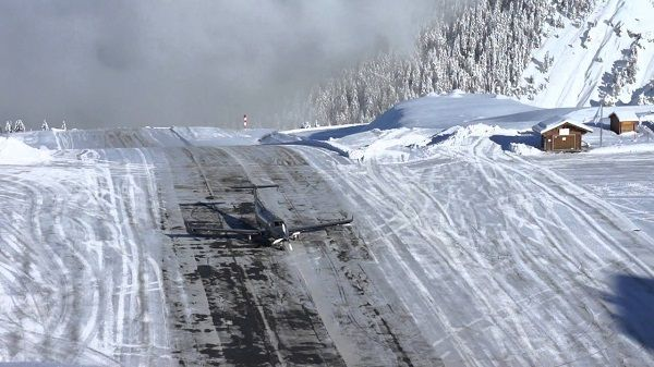 image-of-courchevel-airport