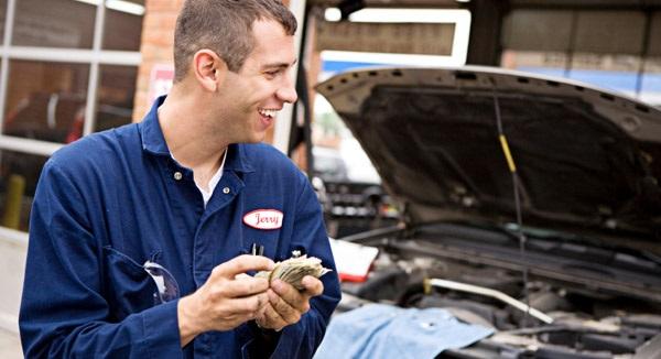 image-of-a-happy-auto-mechanic