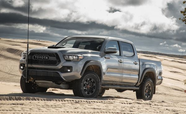 2019-Toyota-Tacoma-in-a-desert