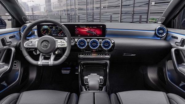 image-of-Mercedes-AMG-2020-Dashboard