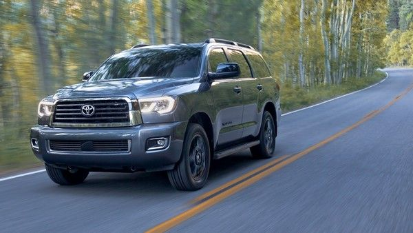 2019-Toyota-Sequoia-running