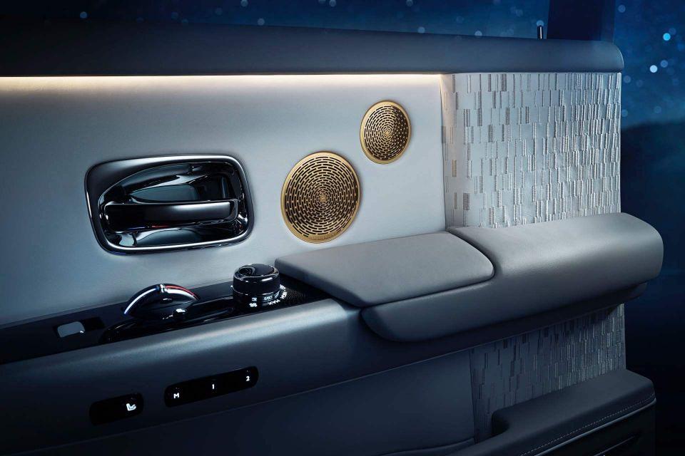 2019-Rolls-Royce-Phantom-Tranquility
