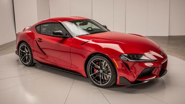 2020-Toyota-supra-with-dual-shock-transmission
