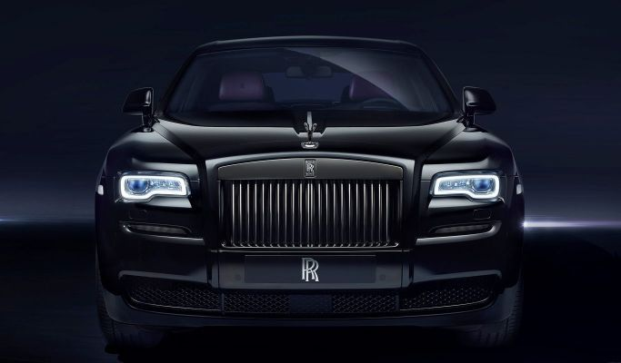 Rolls-Royce-Black-Badge-Ghost-front