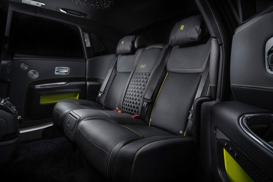 Rolls-Royce-Black-Badge-Ghost-interior