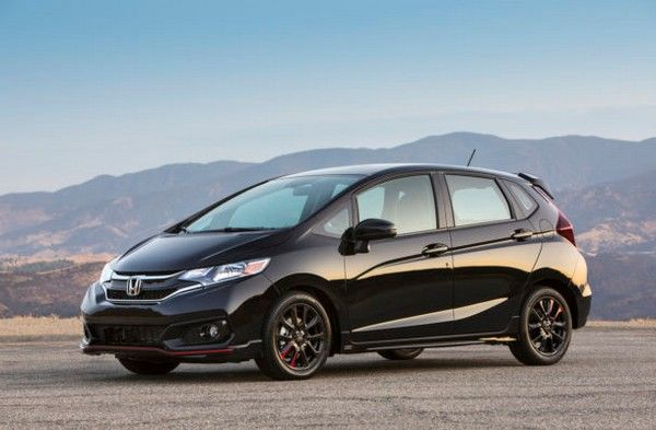 2019-Honda-Fit-parked-outside