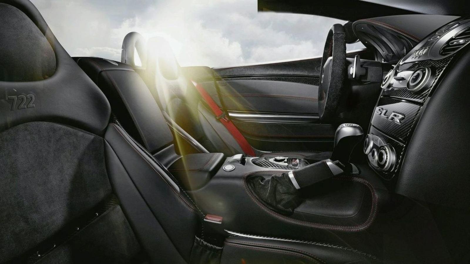 The Mercedes SLR Mclaren cabin