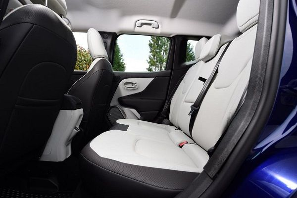 car-interiors-with-white-seats