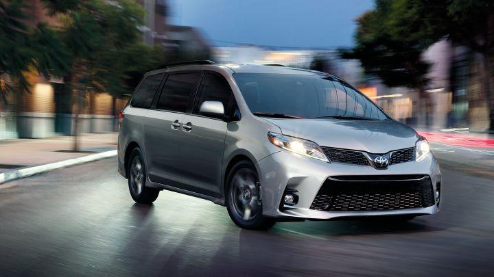 2019-Toyota-Sienna-minivan