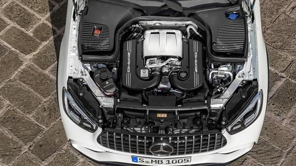 2020-Mercedes-AMG-GLC-63-SUV-engine