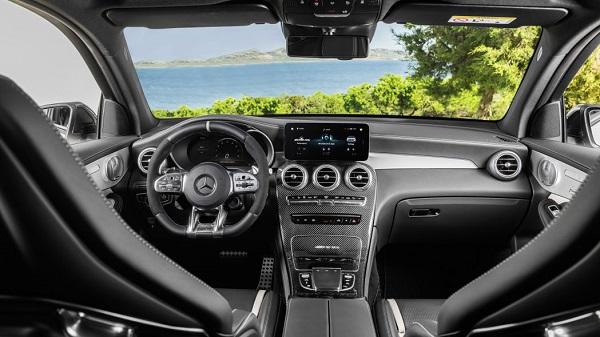 2020-Mercedes-AMG-GLC-63-SUV-interior