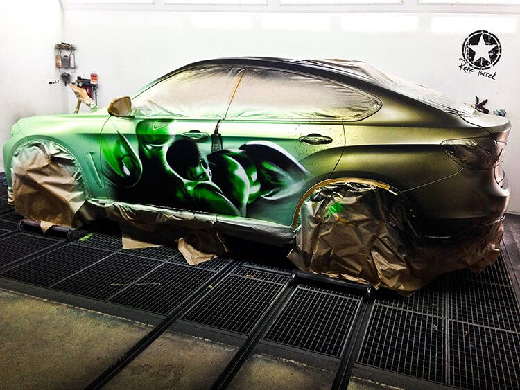 This heat sensitive BMW X6 Hulk is all sorts of crazy!
